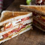 Clubsandwich med karry dressing
