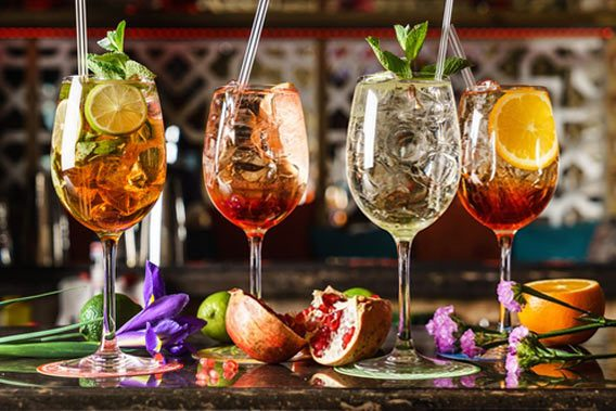 Nu med cocktails og drinks