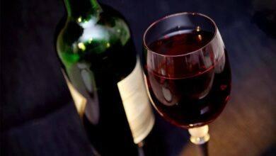 vin til middagsselskab